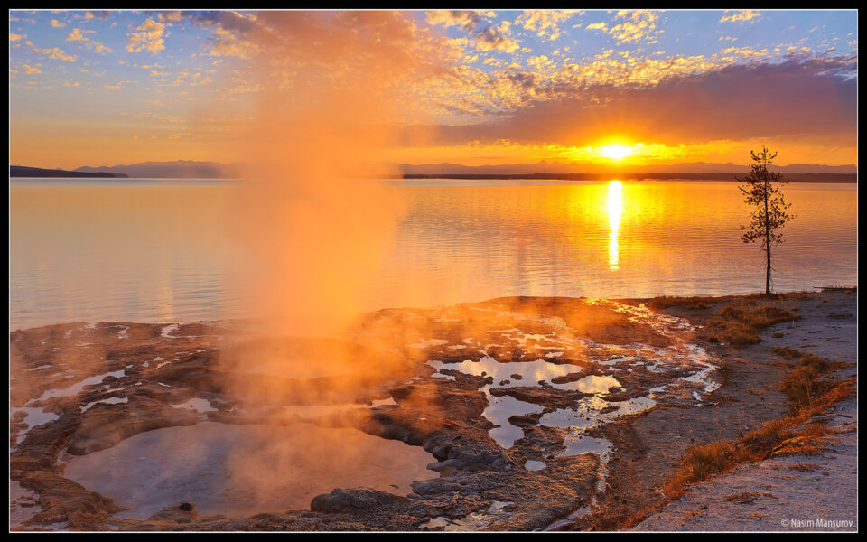 Yellowstone Lake Wallpaper