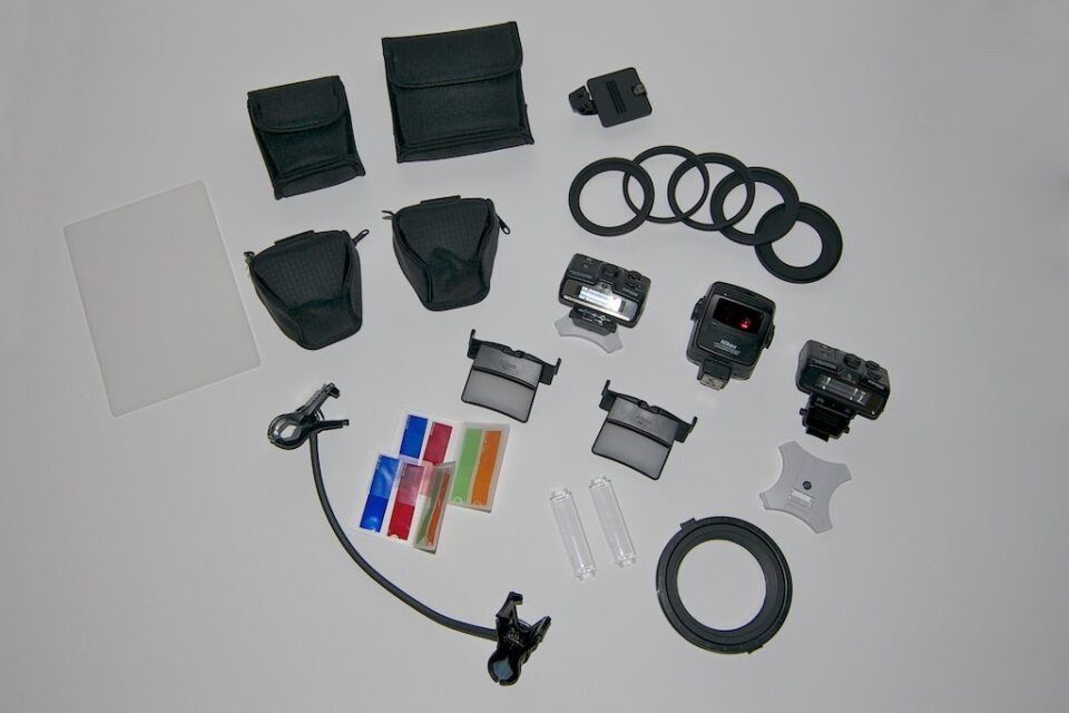 Contents of the Nikon R1C1 Lighting Kit