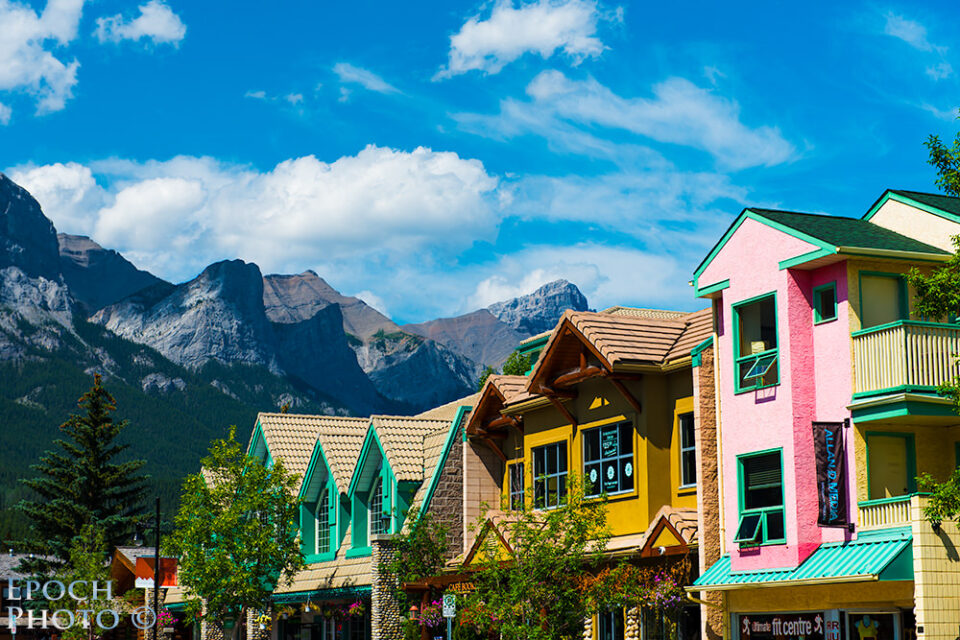 Downtown-Canmore-Stores-&-Mountains