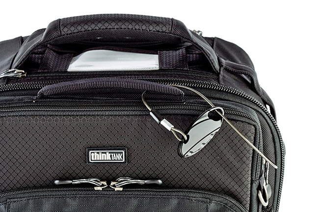Feature-Airport-International-V-20-Rolling-Camera-Bag-2