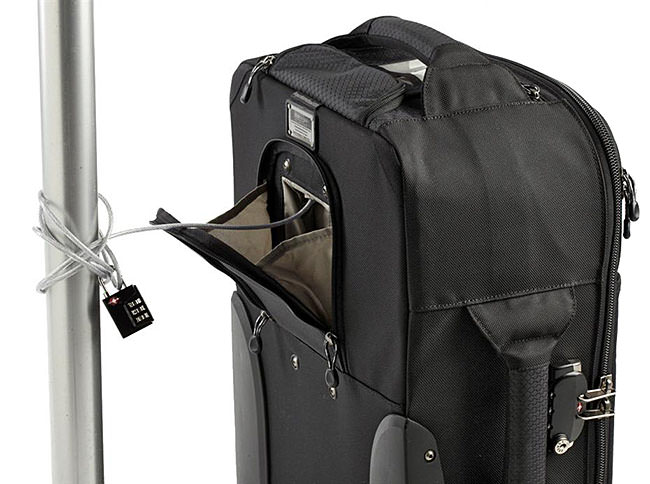 Feature-Airport-International-V-20-Rolling-Camera-Bag- 2ba6a49280a0b
