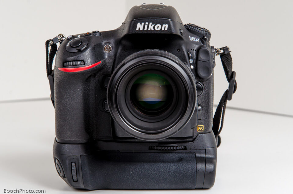 Zeikos_Battery Grip On_D800_Front
