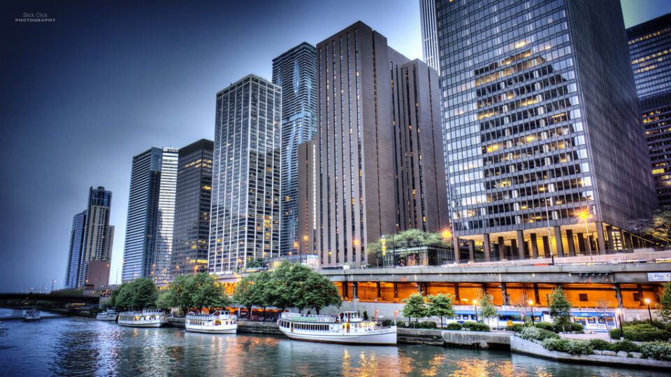 Eastern view of Chicago river walk