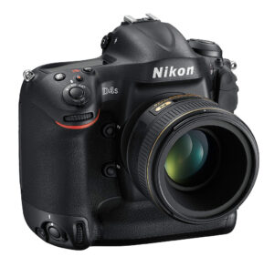 Nikon D4s Front Right