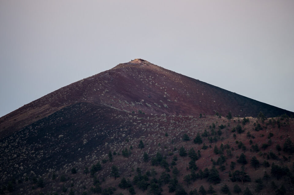 Verm-800-peak-top-Sunset-Crater-3244