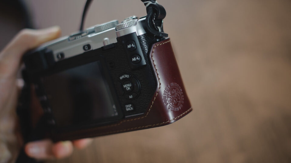 Gariz Leather Half-Case for Fujifilm X-E1-5
