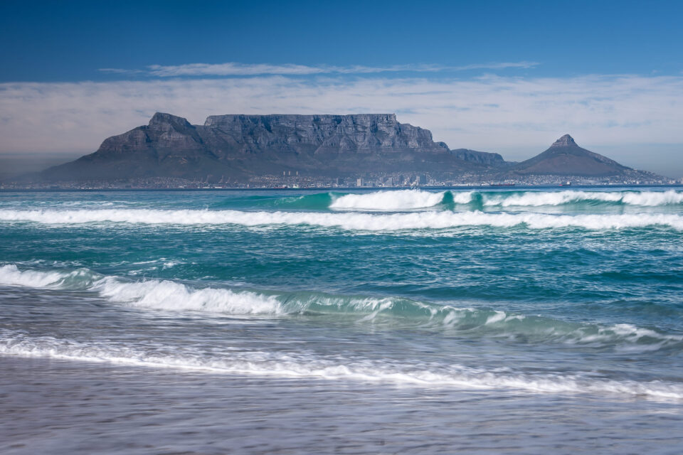 Surf-at-Bloubergstrand
