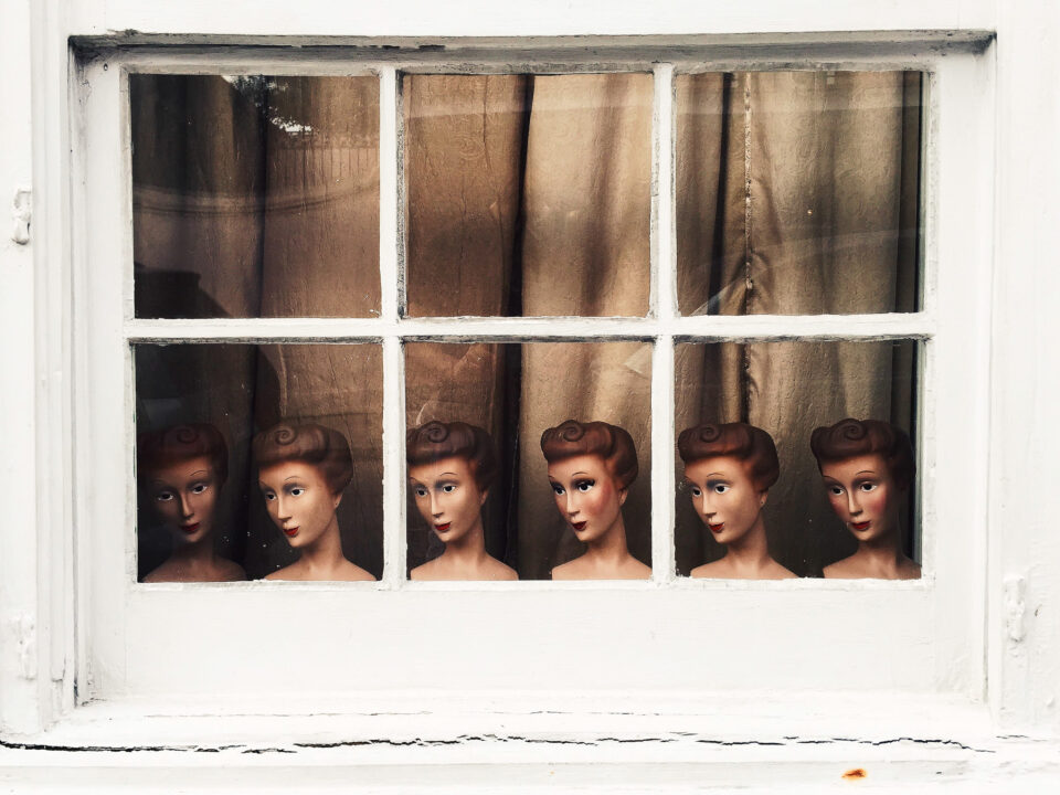 Mannequin Heads with natural editing - phone