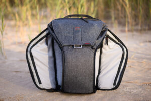Peak design everyday backpack dual side access