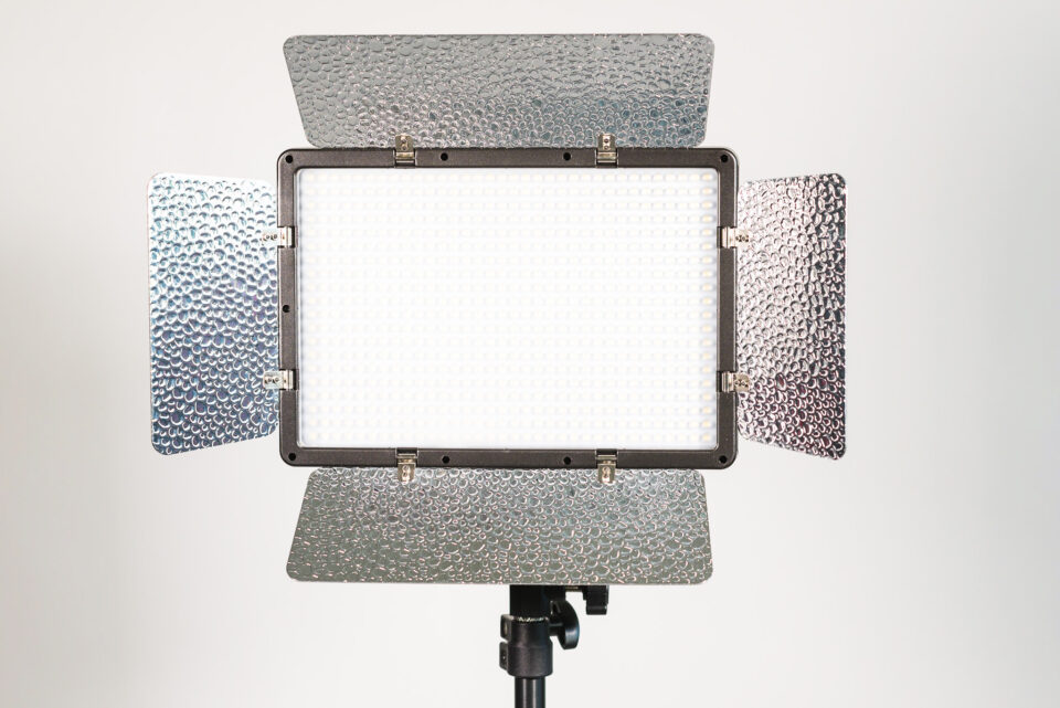 Genaray Escort LED Light Kit diffusing filter