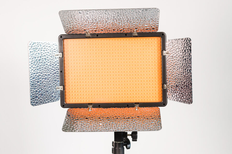 Genaray Escort LED Light Kit tungsten filter
