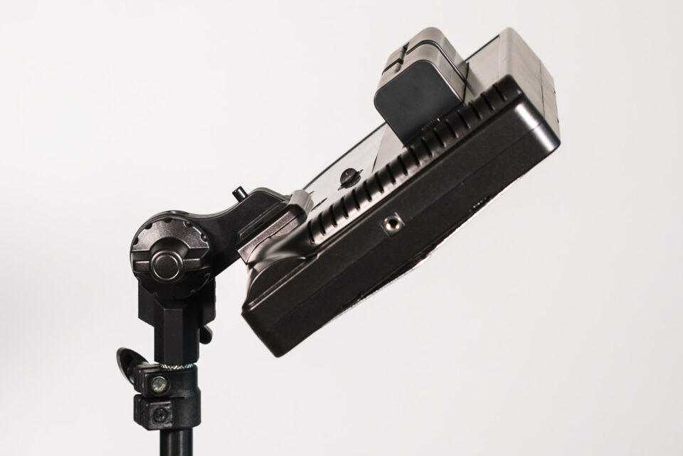 Genaray Escort LED Light Kit light stand mount