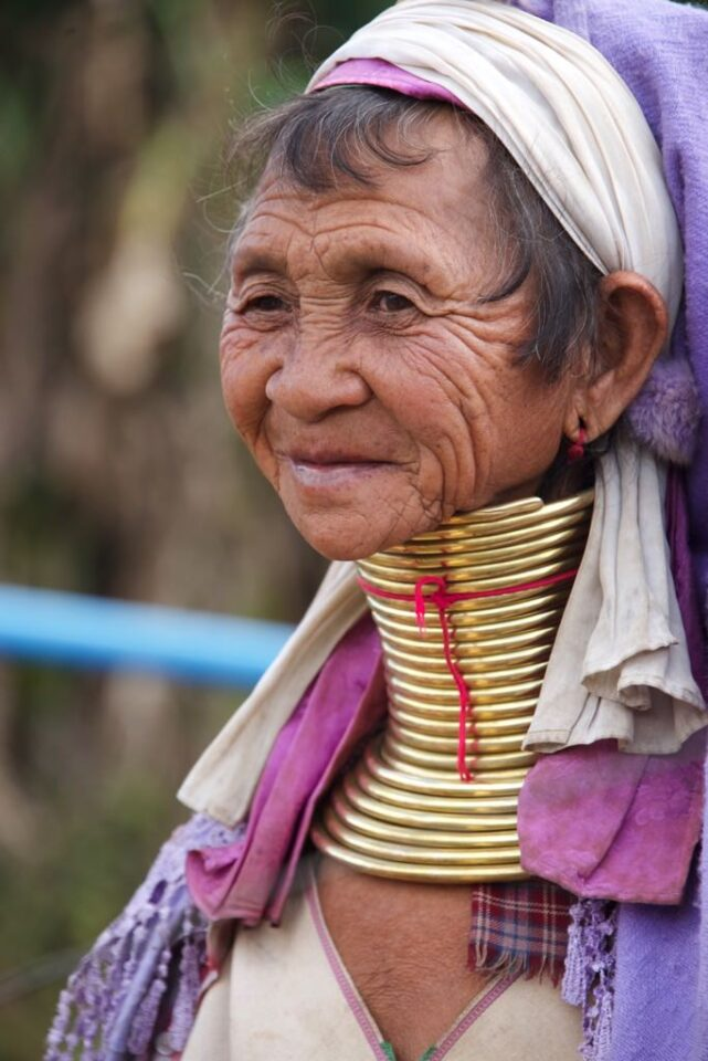 Long-Necked Padaung Ladies (9)