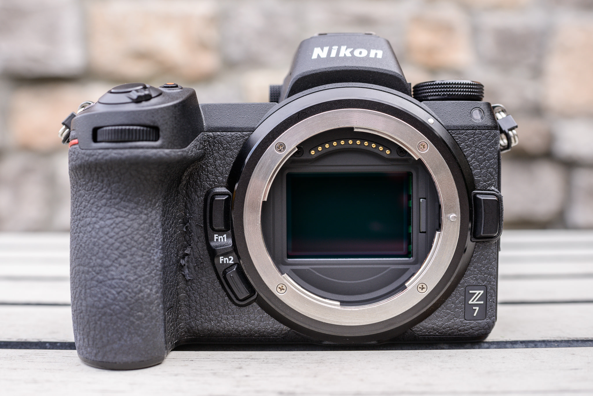 Nikon Z7 Review - Camera Construction and Handling (Page 2
