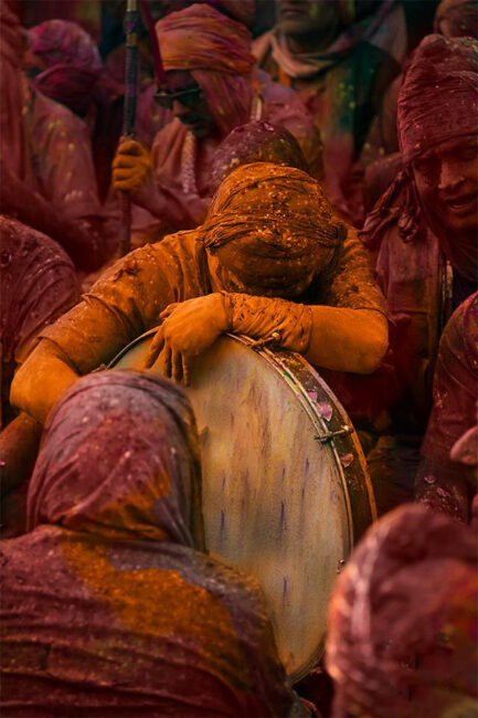6.-Swarup-Chatterjee_Holi-India-Drum-Tired